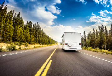 Taking a trip with a recreational vehicle or trailer? Don't make these 6 driving mistakes!